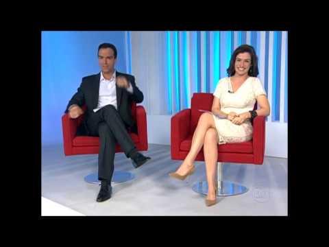 Renata Vasconcellos - Bem Gostosa no Fantástico 03/11/13  ( Pernas )