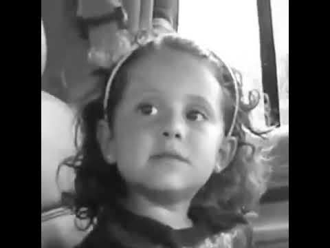 4 years old Ariana Grande singing