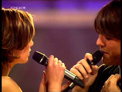 Brian McFadden & Delta Goodrem - Almost Here [Live] Bravo Supershow 2005 [HQ]