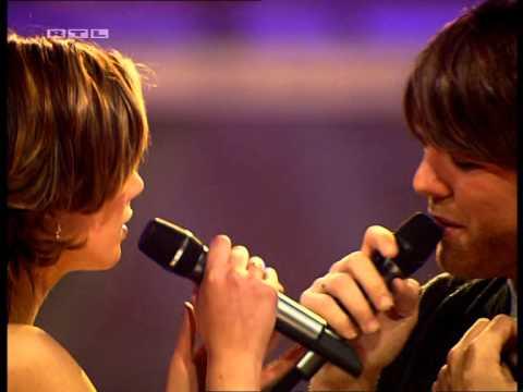 Brian McFadden & Delta Goodrem - Almost here [Live] Bravo Supershow 2005 [HQ]
