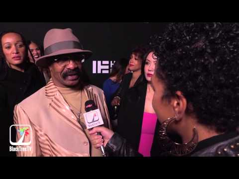 Drake's Dad Says He's a Player