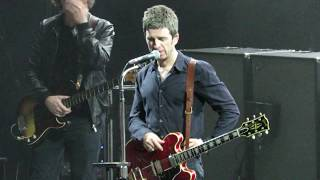 Noel Gallagher - Hat on the stage (2018)