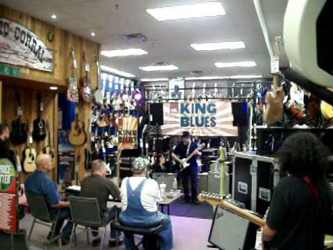 Guitar Center Fort Worth Tx : ronnie 39 s competition at guitar center king of the blues 2010 fort worth texas youtube ~ Russianpoet.info Haus und Dekorationen