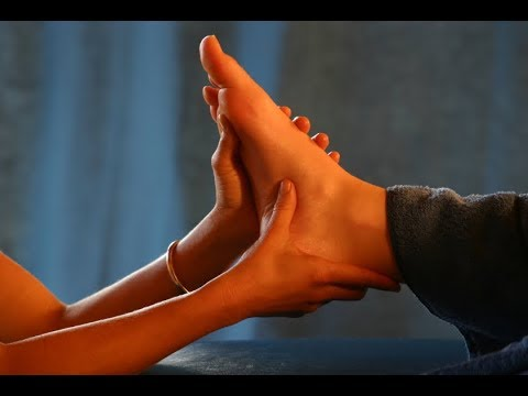 Как расслабить мужчину: массаж ступней