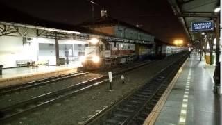 Kereta Api Serayu Malam Berangkat dari Stasiun Pasar Senen Menuju Stasiun Purwokerto