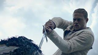 REI ARTHUR TIRANDO A ESPADA DA PEDRA / Filme: Rei Arthur A Lenda Da Espada (2017)
