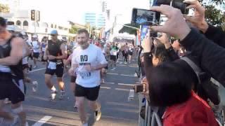 2012年 ゴールドコーストマラソン スタート ::吉田香織、谷川真理、田...