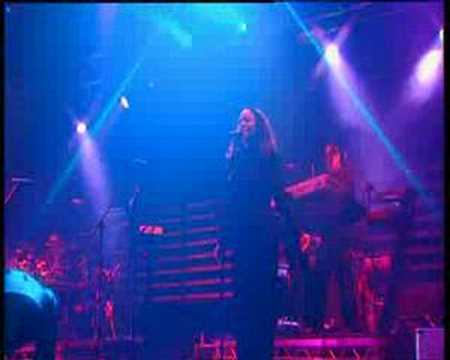 Massive Attack - Unfinished Sympathy (Live - T In the Park 2004)