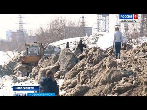 Убрать незаконный снегоотвал требуют жители Октябрьского района