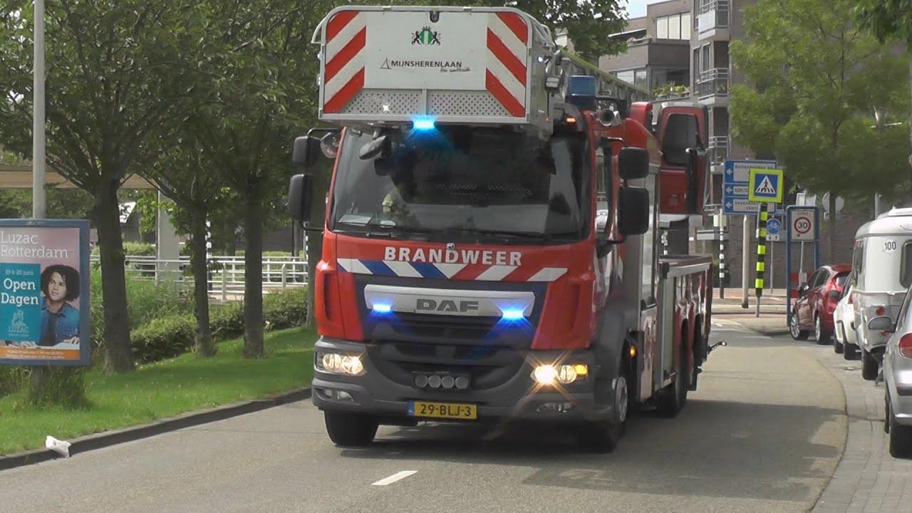 Brandweer vanaf 4 verschillende kazernes naar een woningbrand in Barendrecht!