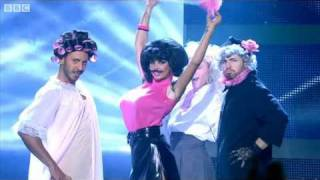 "Baixar Katie Price does Queen's ""I Want to Break Free"" - Let's Dance for Comic Relief 2011 Final - BBC One"