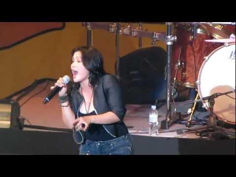bulag pipi at bingi by aeges  (live concert in korea)