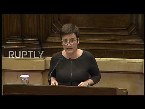 Spain: Anti-independence Catalan MPs storm out of parliament ahead of vote
