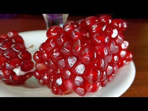 How To Make Pomegranate Juice! The BEST Way To Open & Eat a Pomegranate for Health Benefits!