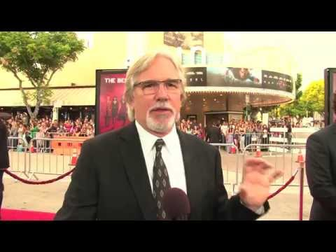 RED 2: Dean Parisot On Directing Bruce Willis And The Rest (Premiere Red Carpet)