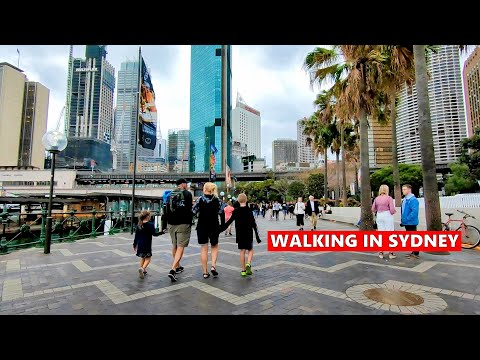 SYDNEY HARBOUR BRIDGE & OPERA HOUSE View + Walking To Circular Quay During A Windy Day Spring 2019