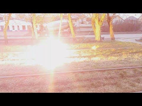 Ужас! Жизни людей. Силовой провод на трамвайной линии. Человеческая жизнь. Одесса. Салют. Транспорт.
