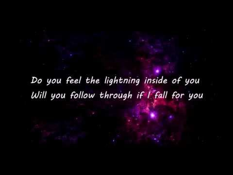 Martin Garrix feat. Usher - Don't Look Down (Lyrics)