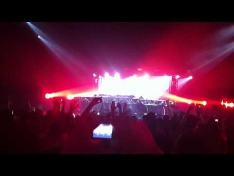 Martin Solveig ft. Dragonette - Hello (Live)