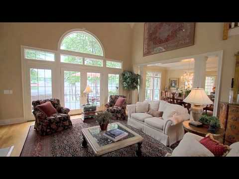 """Lake Norman - Perfect water-front """"Right-Size"""" Home in The Peninsula"""