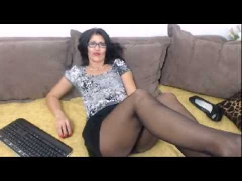 Milf in pantyhose видео