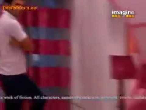 Arjun and Arohi Holi Scene - Kitani Mohabbat Hai Season 2
