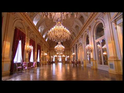 Documentary about the Royal palace of Brussels and the Belgi