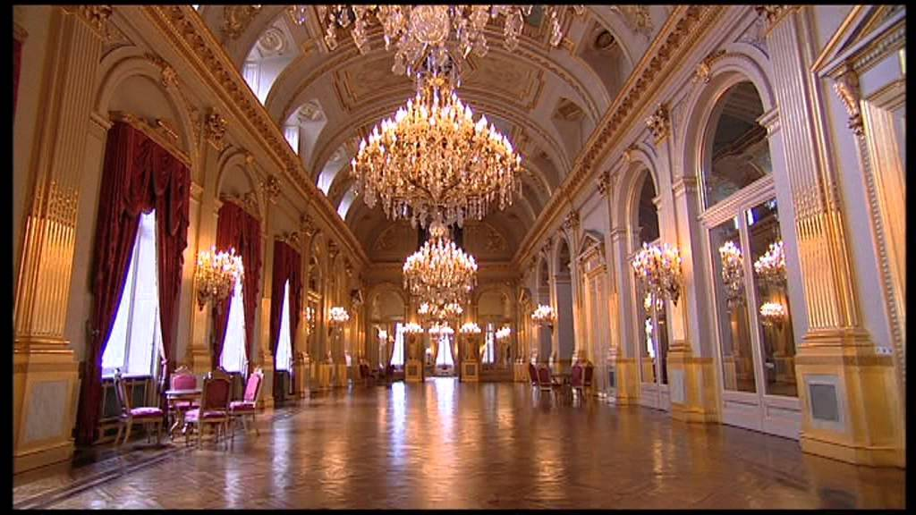 Documentary about the Royal palace of Brussels and the ...