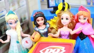 Elsa Eats at DQ Dairy Queen AGAIN! Rapunzel & Her Bird