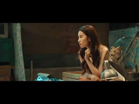 Sunehri Lomdi New China Hindi Film.clip {1}