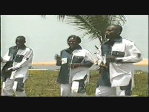 AFRICAN SONG- AFRICAWE - GOGO PENCHE