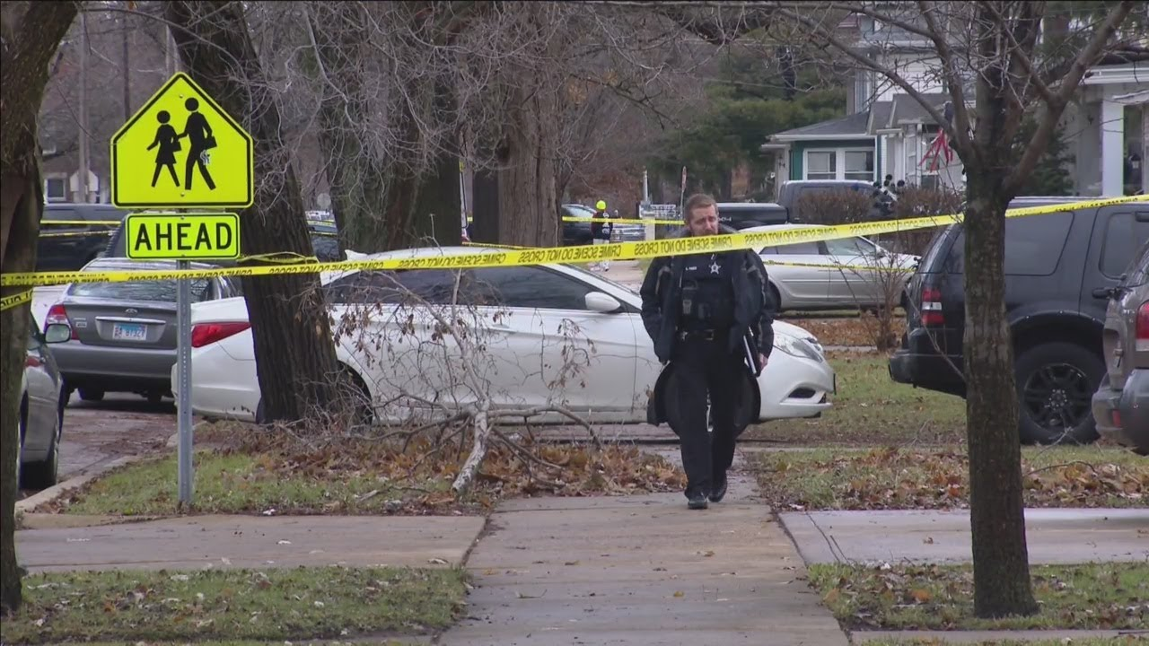 1 Dead, 4 Wounded In Aurora Shooting