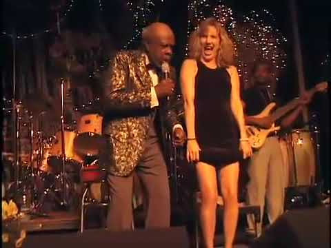 Rufus Thomas does the Funky Chicken