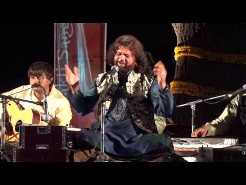 Hans Raj Hans Live Mausam Jab Jab chaha at nehru park 2012