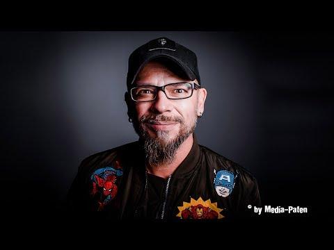 Björn Schalla - Interview mit der Stimme von Seann William Scott, Casey Affleck, Travis Fimmel