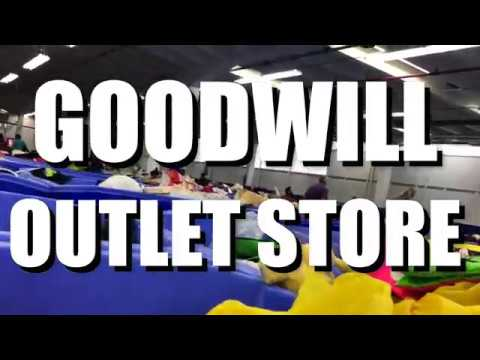 Goodwill Outlet Store (Miami, Florida) Ropa USA