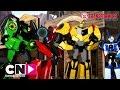ARUNCĂ O PRIVIRE: Transformers: Robots in Disguise | Robots in Disguise | Cartoon Network