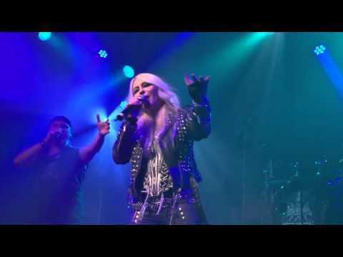 Axxis (with Doro) - Stay Don't Leave Me (live)