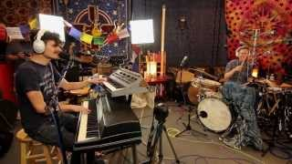 Sun Rai feat. Matt Chamberlain - Know Somebody [Live @ Studio Delux]