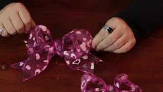 How to Tie a Wired Ribbon : Assorted Crafts