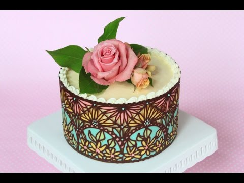 Piping Chocolate Lace On A Cake