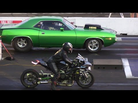 Cars Vs Superbikes - Drag Racing - 604 Street Legit