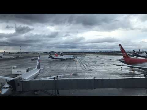 Moscow Sheremetyevo International Airport time-lapse from Terminal E