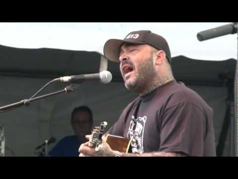 "Aaron Lewis - ""What Hurts The Most"" Live"