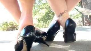 Repeat youtube video Roxy & Maggie candid footsie