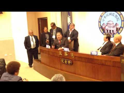 Bravo! Impromptu singing of Nauru President Waqa at Taiwan Control Yuan