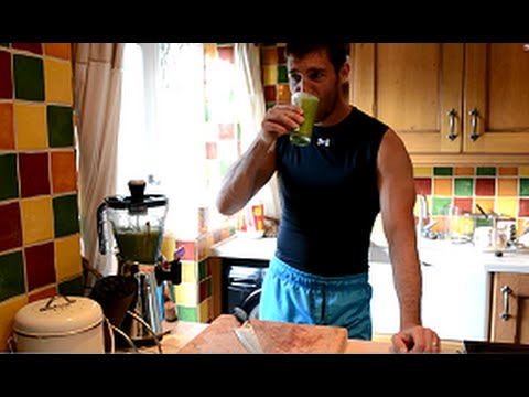Spinach smoothie recipe for health and sports performance