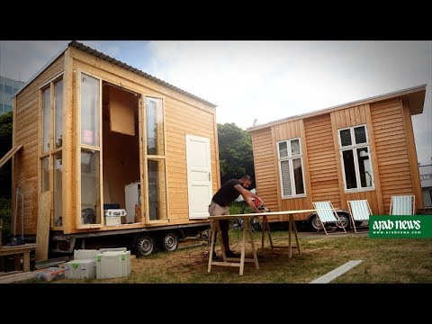 architects refugees team up on tiny houses in berlin youtube. Black Bedroom Furniture Sets. Home Design Ideas