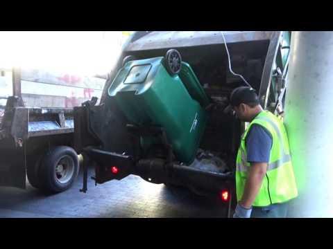 Waste Management 310962 ~ Mack MRU McNeilus Rear Loader