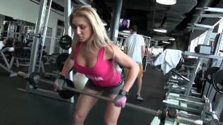Jana Milová trains back and triceps at Golem Club in Bratislava